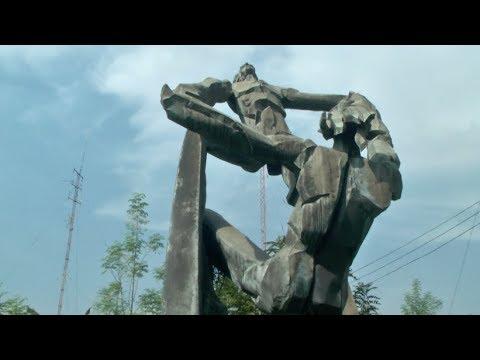 Eduardo Castrillo Sculpture in PLV