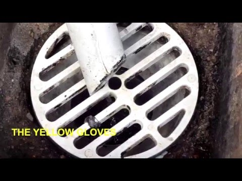 How to unblock a drain with a coke bottle