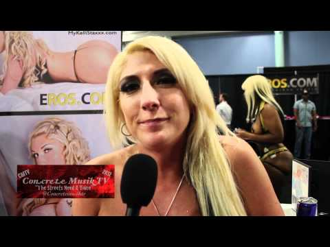 Scarlett's Cabaret at Exxxotica Miami Beach 2009 from YouTube · Duration:  3 minutes 41 seconds