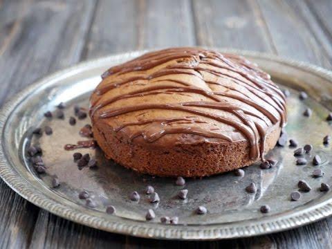 5-ingredient Peanut Butter Cake (Gluten-free!)