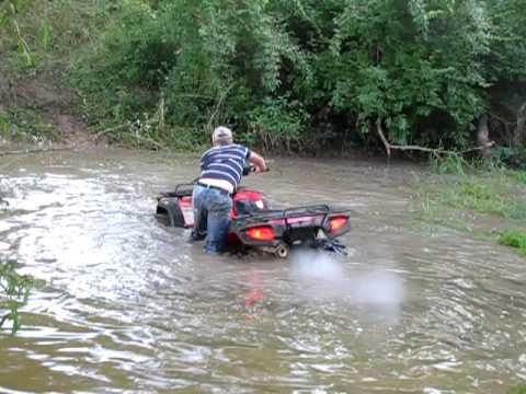 Honda Rancher 420 >> honda rancher at mudding 589 tires - YouTube