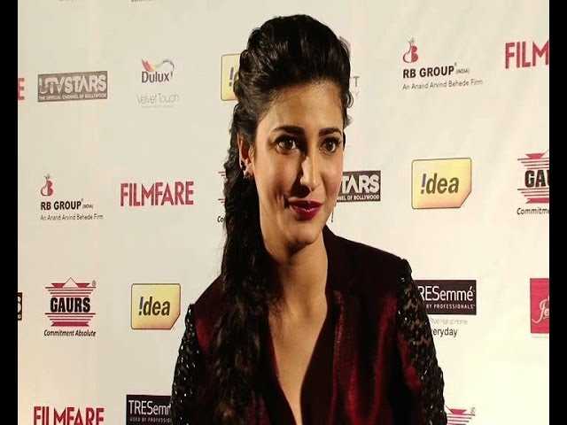 Shruti Haasan at Filmfare party Travel Video
