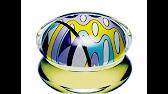 Emilio pucci vivara silver edition («эмилио пуччи. Вывара. Серебряное издание») – это женский аромат 2008 года выпуска, относящийся к цветочно -шипровым парфюмам. Сегодня купить парфюм emilio pucci в москве можно в салонах, специализирующихся на продаже парфюмерии высокого качества.