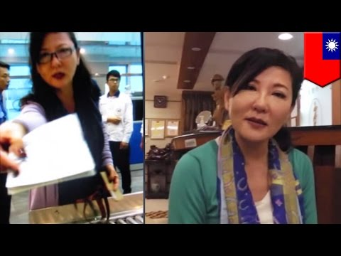 Angry airline passenger waves US passport in face of airport staff, thinks she's a VIP - TomoNews