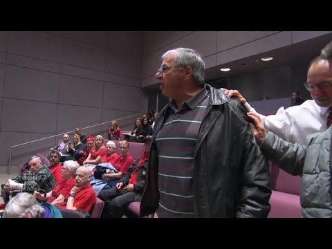Taxi driver disrupts Ottawa city council after Uber vote