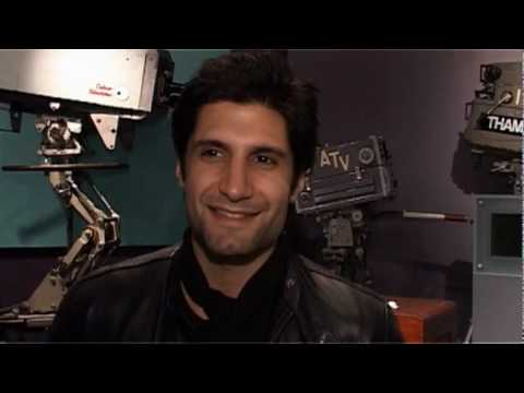 kayvan novak height