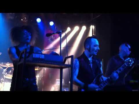 KMFDM - A Drug Against War (live)