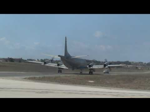 German Navy P3 Orion Take-off and INSANE Fly-by