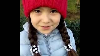 Видео  Smart school Sochi Камилла читает стихи