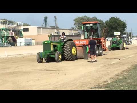Antique tractor pull dresden Ontario
