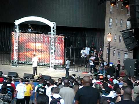 NAS and MOBB DEEP-eye for an eye-ROCK DA BELLZ 2011 PART 1 085