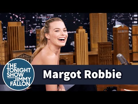 Thumbnail: Margot Robbie Unknowingly Followed Prince Harry into a Photo Booth