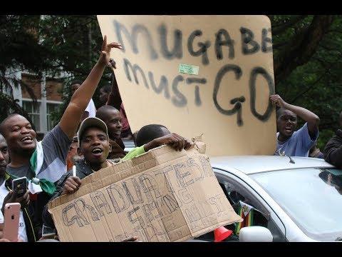 Miles de personas protestan en Zimbabwe contra el presidente Robert Mugabe