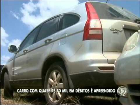 Carro com R$ 70 mil em multas é apreendido