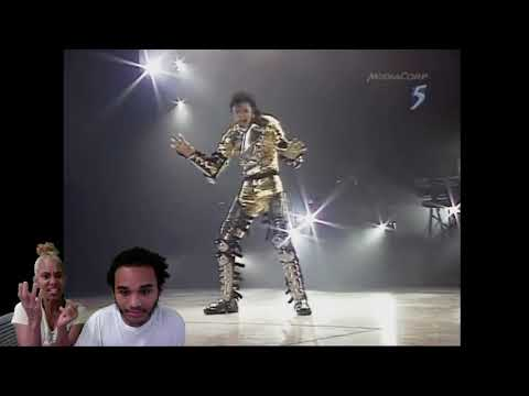 Michael Jackson - SCREAM - LIVE IN...