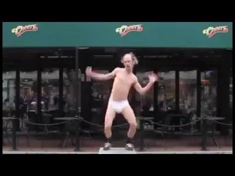 Колян танцует лучше всех.