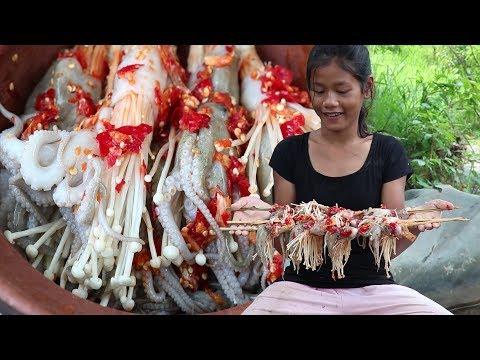 Survival Skills: Yummy Cooking Mushroom in Octopus Taste delicious - Cooking Mushroom in Octopus #59