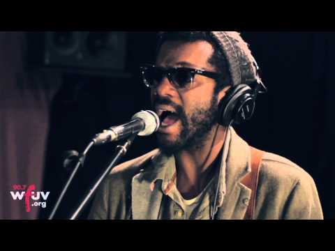 """Gary Clark Jr. - """"When My Train Pulls In"""" (Live at WFUV)"""