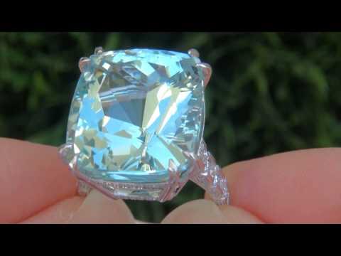 25.89 Carat Aquamarine Diamond 18k White Gold Vintage Ring