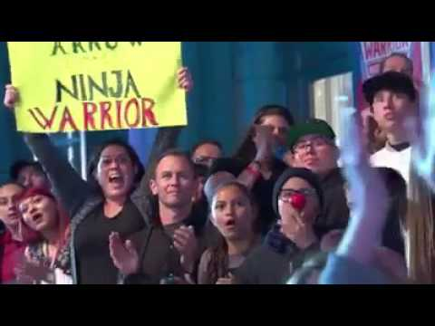 Stephen Amell Smashes U.SA. Ninja Warrior Course For Red Nose Day