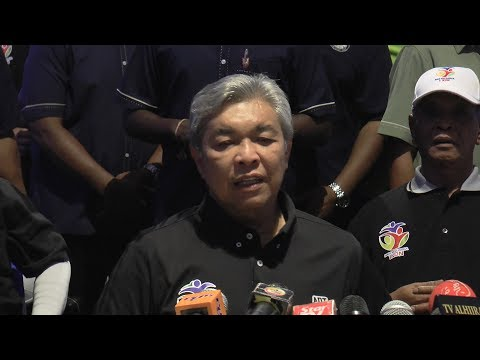 Zahid: 'Datuk Seri' who beat up Rela volunteers should surrender to police