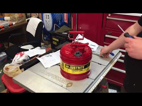 UNBOXING: JUSTRITE Accuflow Type 2 - 2 Gallon Steel Gas Can