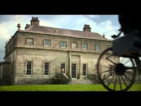 трейлер фильма «Любовь и дружба» с Кейт Бекинсейл, Хлоей Севиньи и Стивеном Фраем.