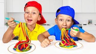Senya and Mom Pretend play with colored noodles смотреть онлайн в хорошем качестве бесплатно - VIDEOOO