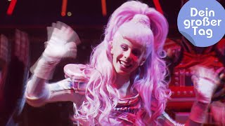 Rollschuhe an! Ab auf die Bühne! - Johanna bei Starlight Express   Dein großer Tag   SWR Kindernetz