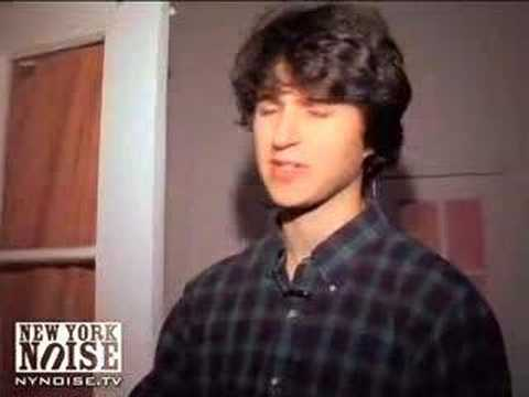 NYNOISE.TV  VAMPIRE WEEKEND CRIBS!