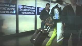 Такси ннадо? Алматинский Аэропорт(Зал прилетов алматинского аэропорта кишит