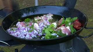 Cooking Paella Ozpig Style