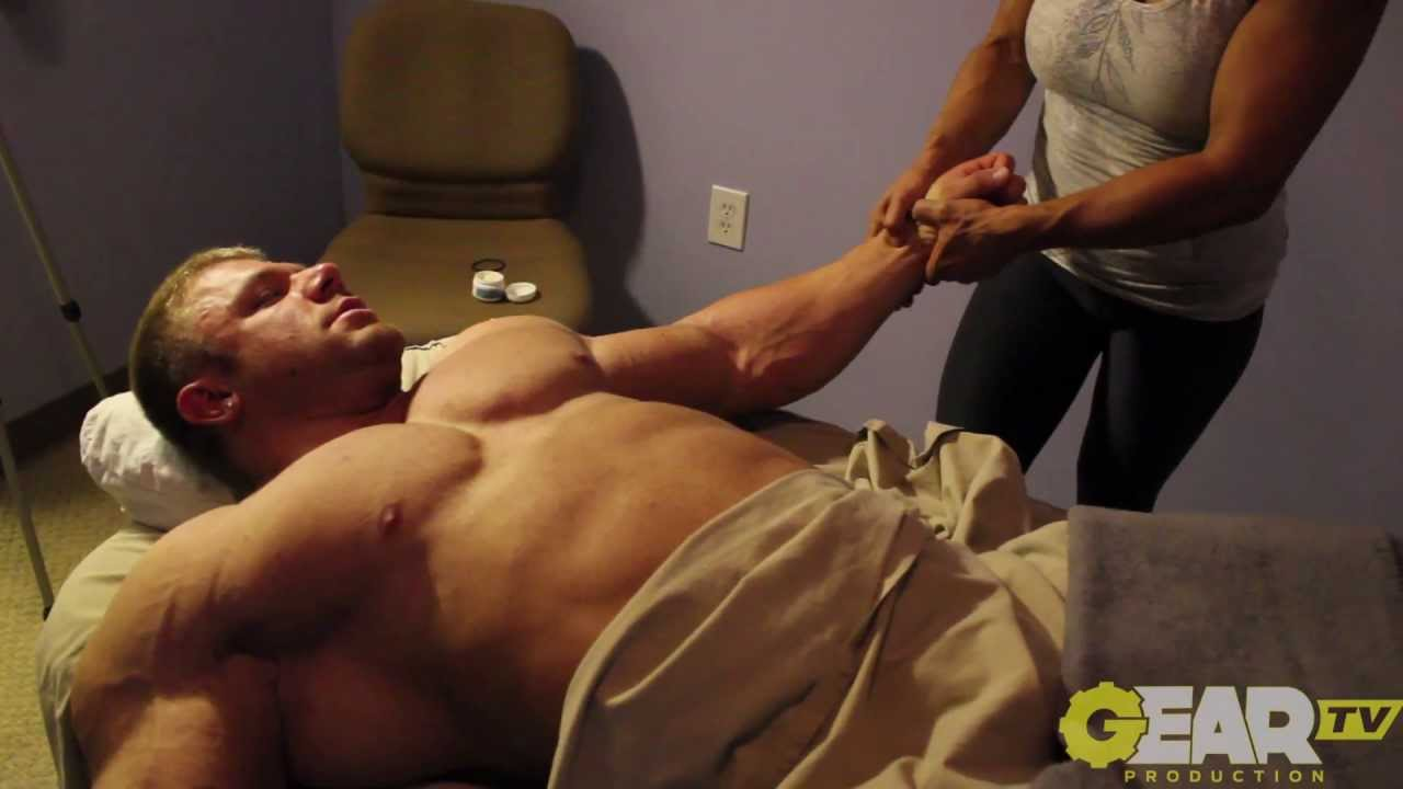 Masseur pro massages guys body