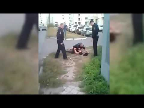 Напал с ножом на полицейского. Attacked With A Knife On A Police Officer.