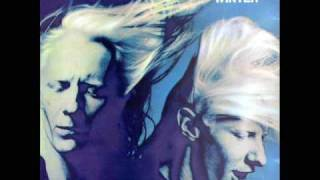 Watch Johnny Winter I Love Everybody video