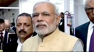 PM Modi announces Rs. 570 crore for rebuilding homes, on Diwali visit to Srinagar