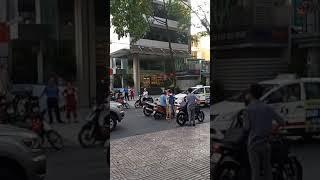 Va chạm giao thông,đánh nhau,và kết quả được gì ngoài việc gày cản trở giao thông ,tắc đường