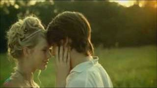 vuclip Love Story by(Taylor Swift)(has cool pics)