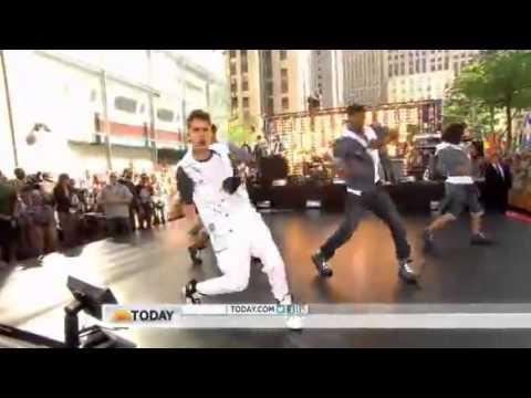 Justin Bieber - Boyfriend (Live @ Today Show 2012)