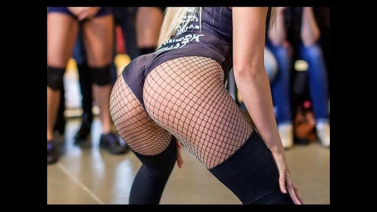 Sexy ukrainian twerking act leaves the judges speechless