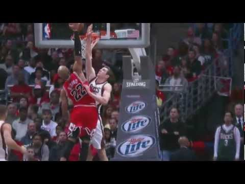 Taj Gibson Facial Dunk on Jon Leuer! (Stacey King) [HD]