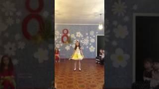 �������� ���� Вероника поёт песню