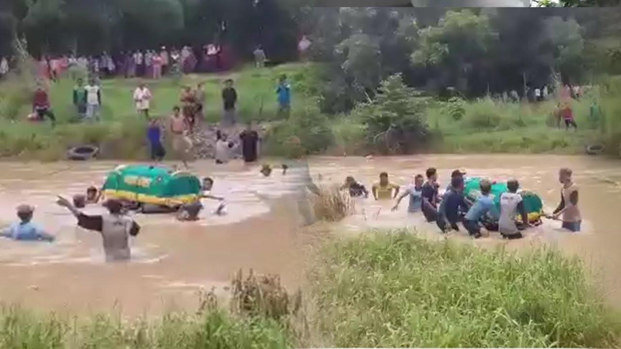 Video Keranda Dihanyutkan di Sungai Menuju Pemakaman karena Tak Ada  Jembatan,'Biar Pemerintah Tahu'