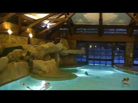 Piscine hotel sequoia lodge disneyland paris youtube for Paris hotel piscine