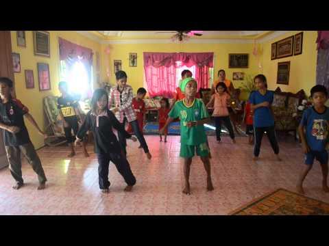 Lecoviat/ Lenggok Mia Dance by Anak-Anak WAPO