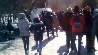 все идут на митинг против повышения тарифов жхк на 15% в новосибирске