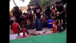 Kreasi Musik Sampah by Kremmasi (Kreasi Musik Mahasiswa IISIP)