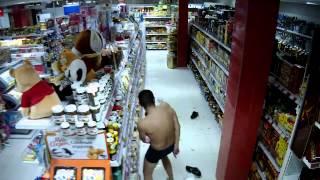 мужик в супермаркете Усть-Илимска смотреть до конца