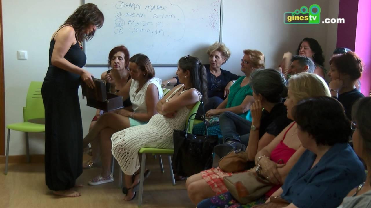 El Centro de Servicios Sociales acogió una llamativa representación de teatro espontáneo