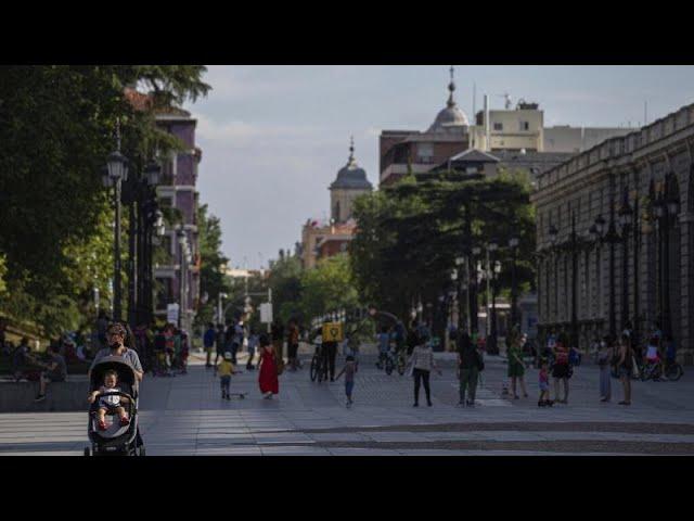 Phase 1 in Madrid und Barcelona - Kind unter Infizierten in Frankfurt